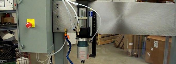 Pistola y Rifle barril estación de perforación de la máquina (en Inglés)